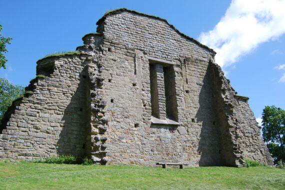 Riseberga klosterruin
